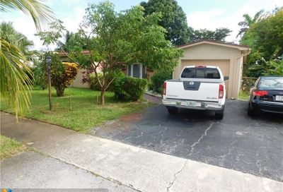 3272 NW 42nd St Lauderdale Lakes FL 33309