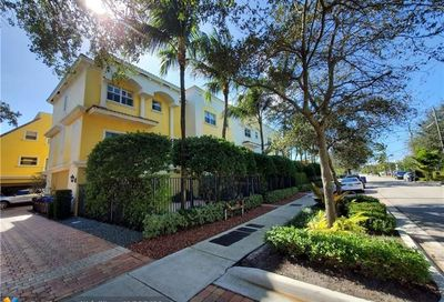 736 SE 12 Court Fort Lauderdale FL 33316