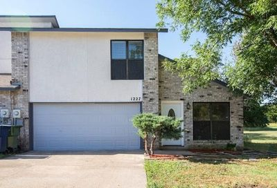 1227 Forest Cove Lane Garland TX 75040