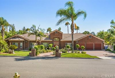 2080 Westminster Drive Riverside CA 92506