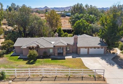 16563 Fox Glen Road Riverside CA 92504