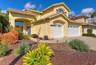 7 Tizmin Lake Forest CA 92610