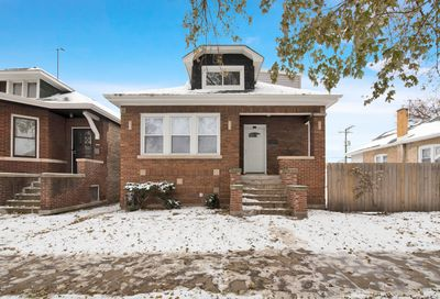 8040 South La Salle Street Chicago IL 60620