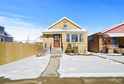 5916 West 60th Street Chicago IL 60638