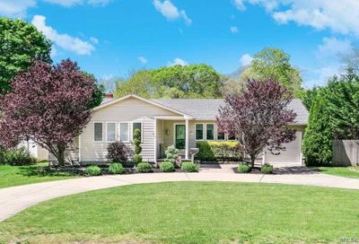 79 Head Of The Neck Rd Bellport NY 11713