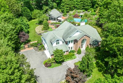 8 Bryan Meadow Path Northport NY 11768