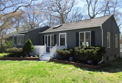 62 Country Club Rd Bellport NY 11713