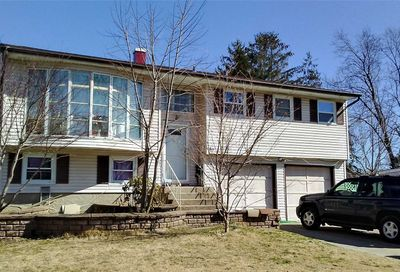 50 Winston Dr Brentwood NY 11717