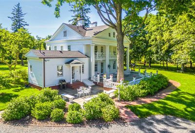 211 N Country Rd Miller Place NY 11764