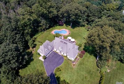 248 Private Rd Matinecock NY 11560