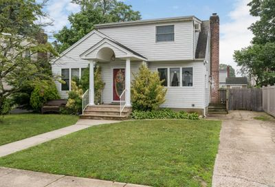 113 Mckinley Ave N. Bellmore NY 11710