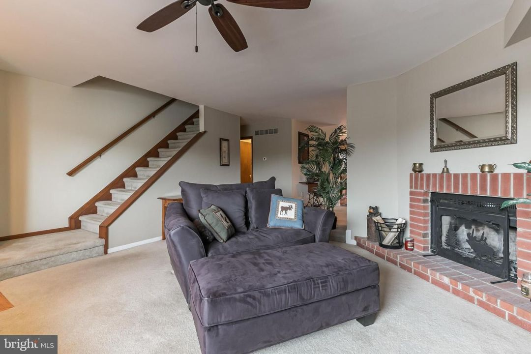 4003 Carriage Drive
