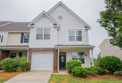 661 Rock Lake Glen Fort Mill SC 29715