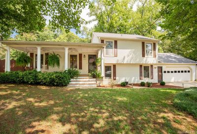 5058 Suwarrow Circle Tega Cay SC 29708