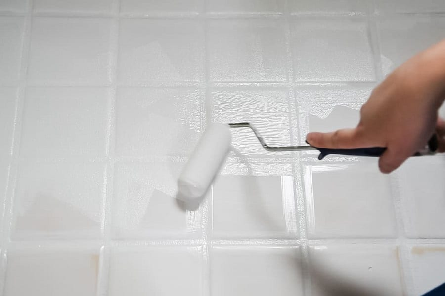 can bathroom tiles be painted pros