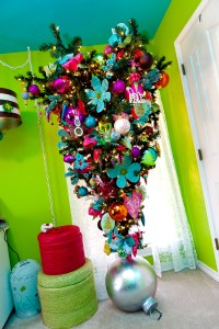 Show Me a Tween treeupside down? | Show Me Decorating
