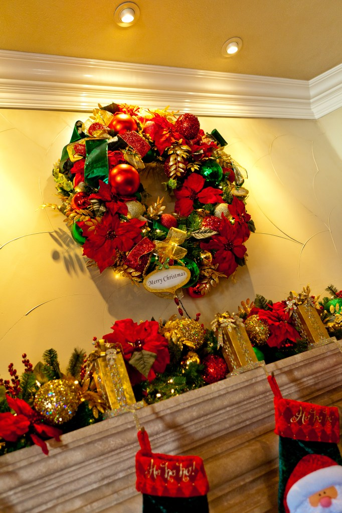 A Warm Welcome With Wreaths Show Me Decorating