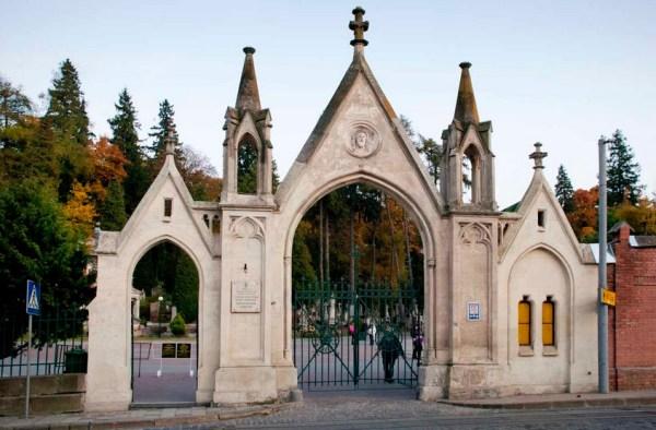 лычаковское кладбище вход