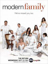 Modern-Family-Season-2-Poster