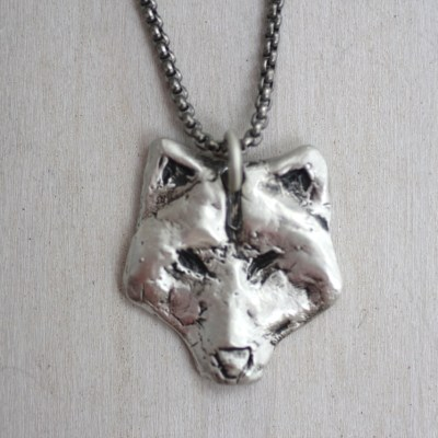 Feed the wolf necklace