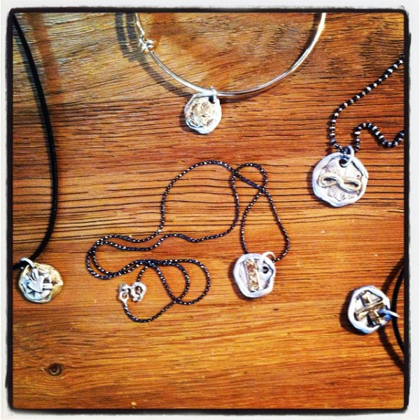 Yay! New #showthelovejewelry on the website. Some special pieces for #moms and more!