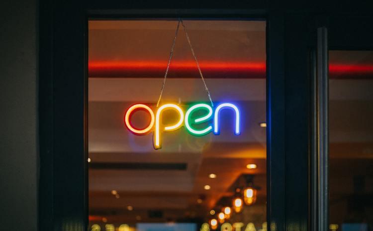 Neon Open Sign Photo by Viktor Forgacs on Unsplash