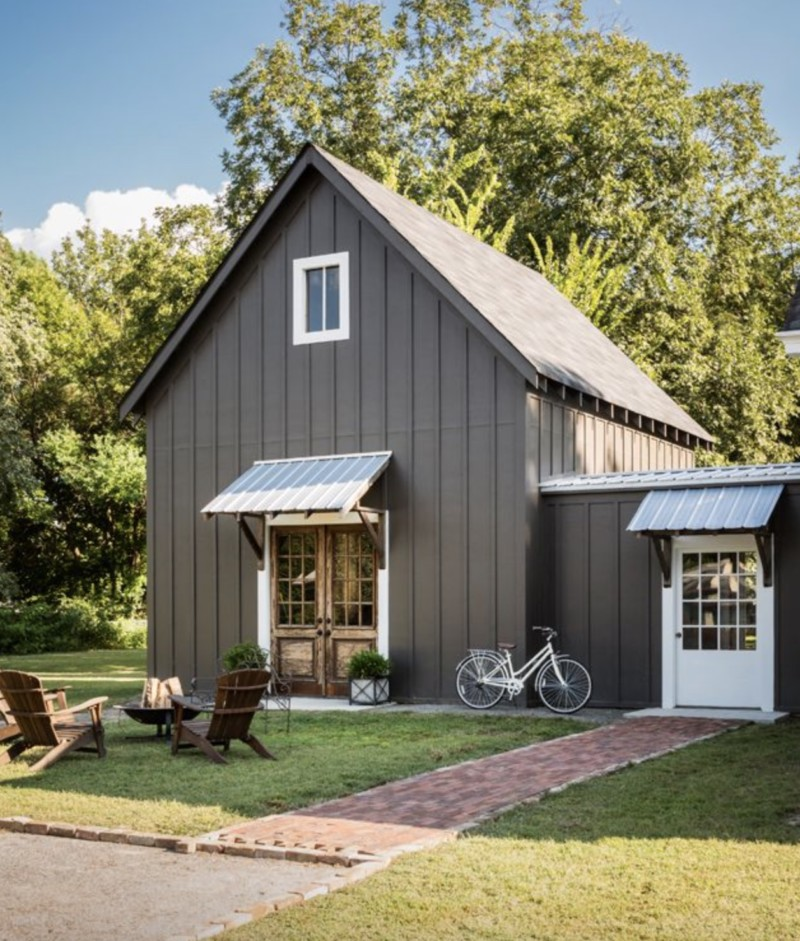 Metal buildings with living quarters everything you need for Small metal barn homes
