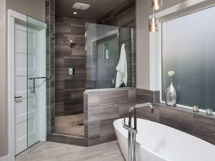 Glassy Spa Bathroom Design