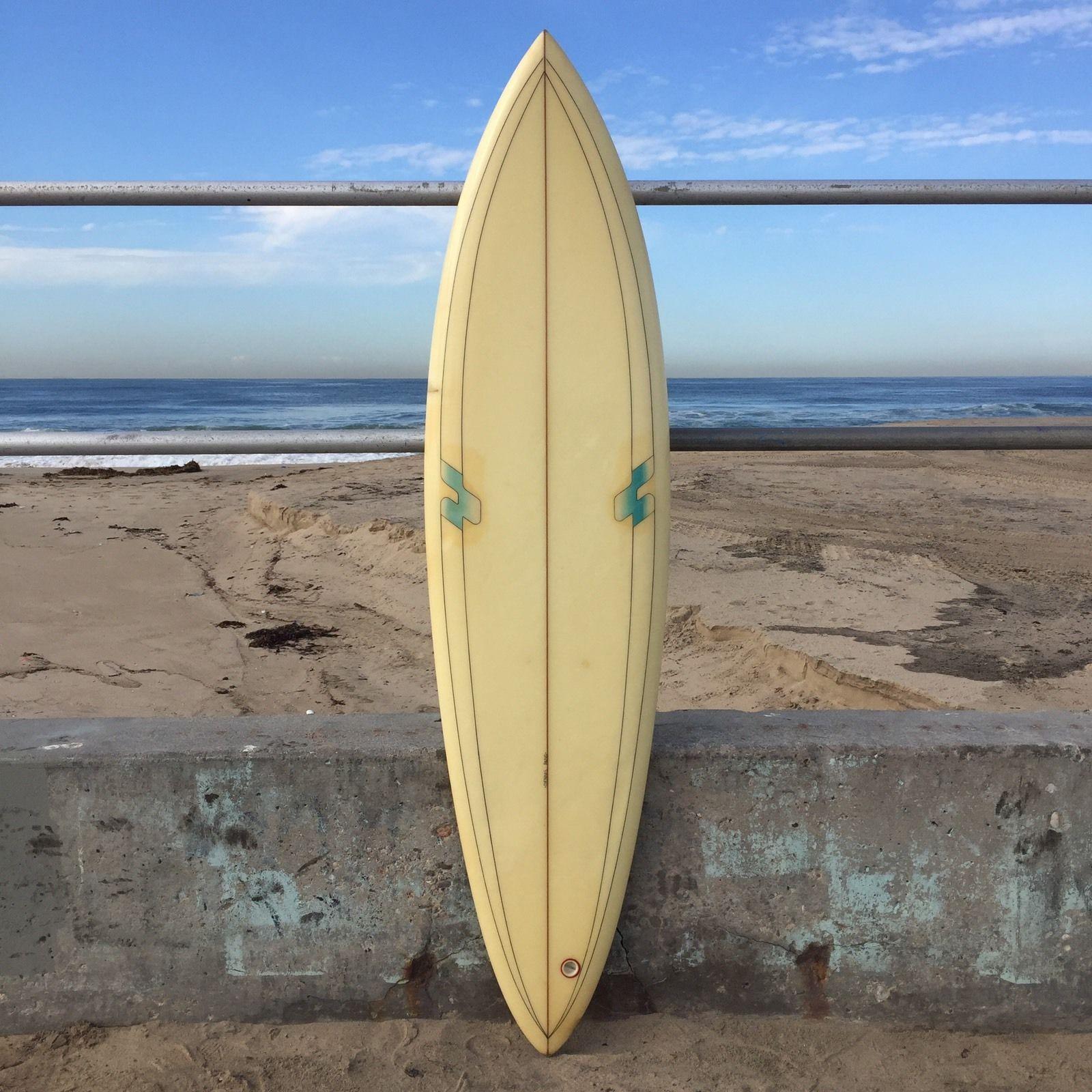 Surf Line Hawaii Dennis Pang Single Fin