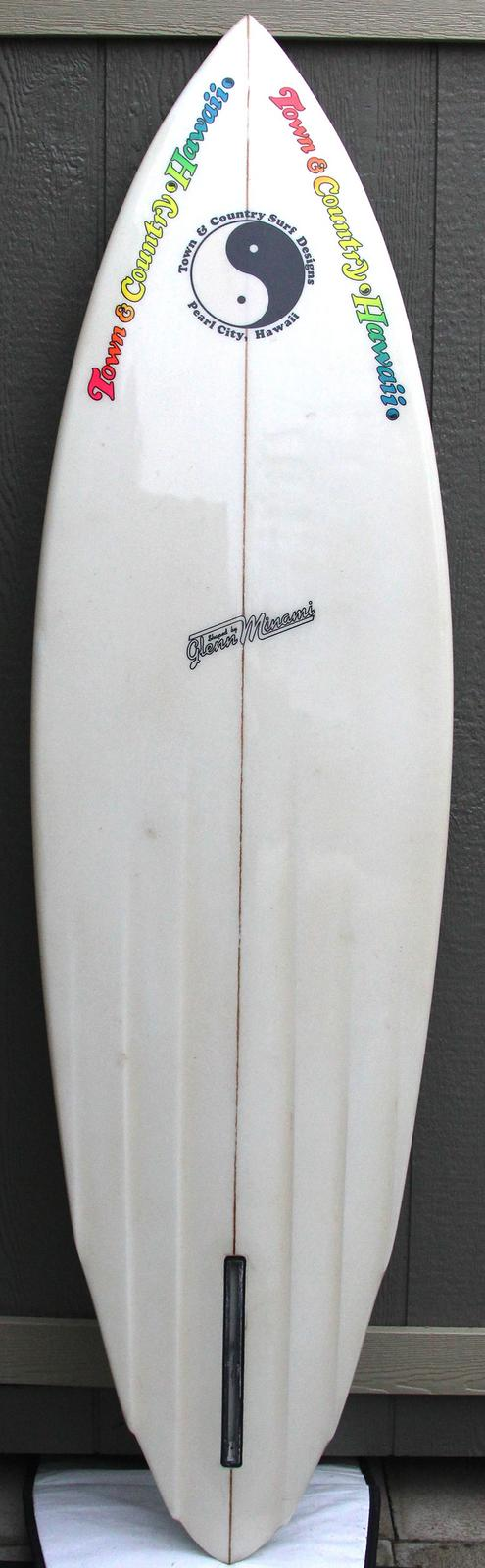 Town & Country Glenn Minami Channel Bottom Single Fin California Gold Surf Auction 1