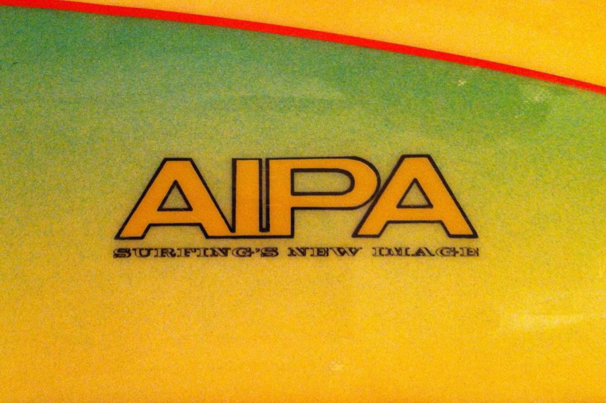 Aipa / Surfing's New Image Sting by Mike Slingerland