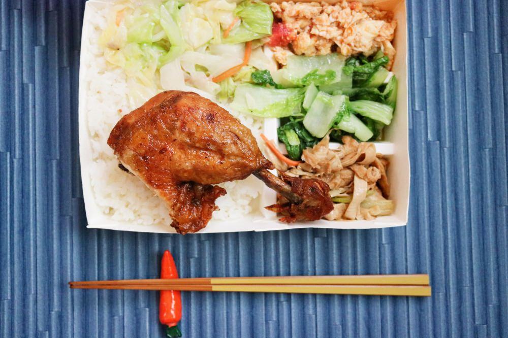 內湖美食 全6連霸肉燥飯 排骨便當雞腿飯東湖週日有開