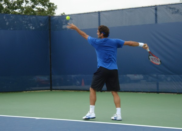 Federer serve sweaty blue shirt tight shorts bum arse ass butt Cincinnati Open practice Monday pictures images photos