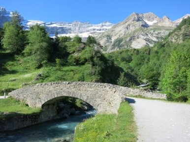 Path to Cirque du Gavarnie