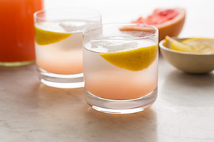Skinny Grapefruit Spritzers