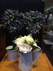 Which flowers match best? Blue or white?