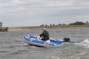 Powerboat training at SHSC Learn how to handle a powerboat and do safety duty