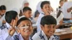 শিক্ষাপ্রতিষ্ঠান বন্ধ রাখতে সরকারকে আইনি নোটিশ