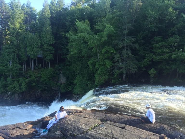 guru-ji-me-montreal-falls