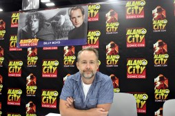 """Lord of the Rings"" actor Billy Boyd at his convention table. Photo by Catherine Gutierrez"