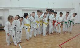 copii practicanti de arte martiale bucuresti