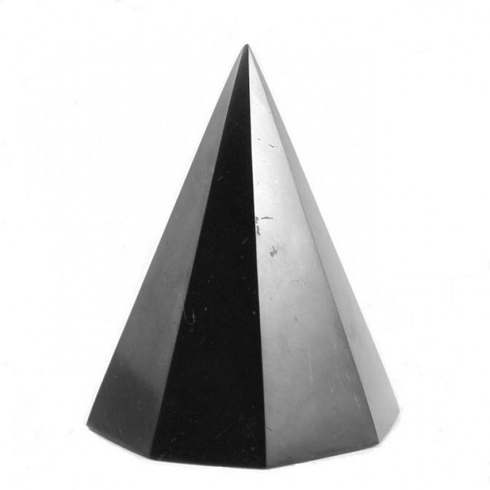Shungite polished octagonal pyramid 60 mm/2,36 in