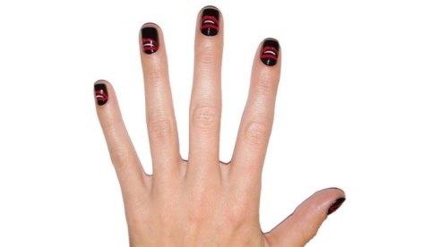 thefemin-hbz-halloween-nails-02-44455087-lg-01_f_improf_702x394