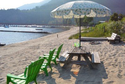 Beach on Little Shuswap Lake vacation cottage
