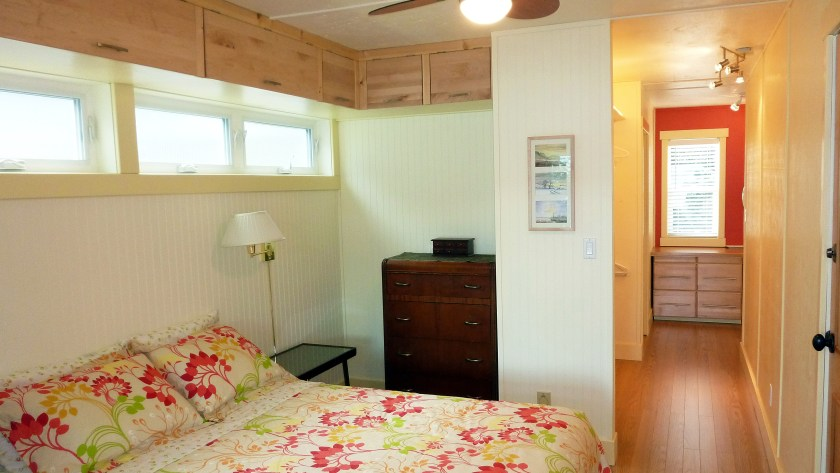 Sandy Beachfront Cottage in Chase BC Queen Bedroom