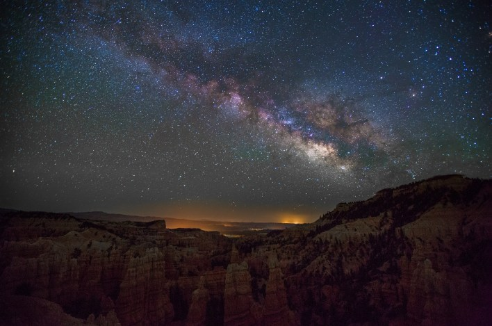 Milky Way night photography Fairyland canyon Utah