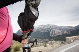 Die GORE Bike Wear Rescue WS AS Jacke hält auch im Tramontana Gebirge warm - photo: Irmo Keizer