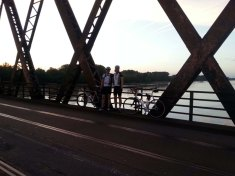 IMG_8307_Auf-der-Brücke-beim-Rhein