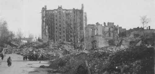 The ruins of House of Ginzburg, 1942