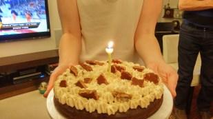 """הצדיקה, עוגת יום ההולדת וניצחון של הפועל ת""""א"""